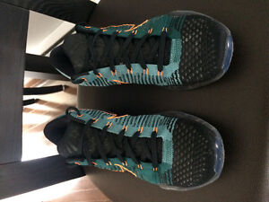 Nike Kobe X Elite low basketball sneakers
