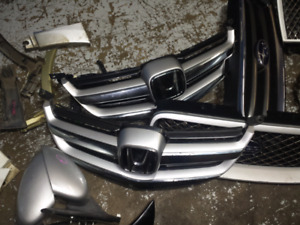 Acura Emblem Kijiji In Ontario Buy Sell Save With Canadas - 2005 acura rl front grill