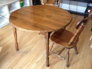 Beautiful Canadian Made Table and Chairs