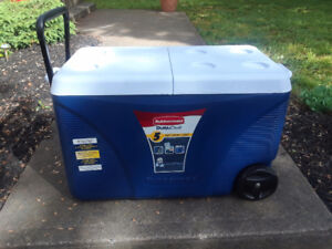 5day Rubbermaid on wheels cooler