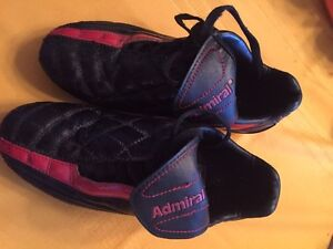 Admiral kids soccer cleats. Size 4