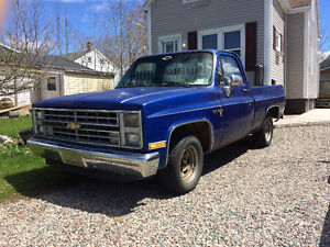 87' Chevy Scottsdale R10. Solid project truck!