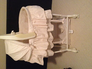 **BASSINET~Music, Vibrates, Lights, CHANGE TABLE ALSO**