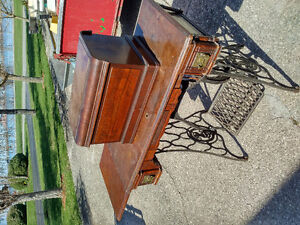 Antique Sewing Machine with table.
