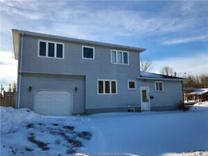 ** FORECLOSURE ** Two- level Home Located in Birchmount