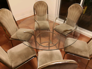 Round table + 6 chairs