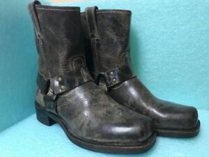 FRYE Harness 8r Boots size 9.5