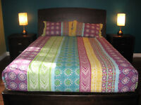 Set de chambre lit Queen (6 mcx) - État neuf