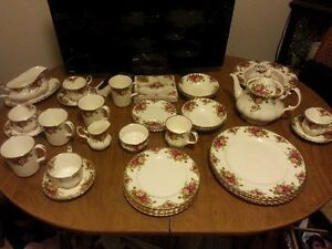 Royal Albert Old Country Rose Dish Set