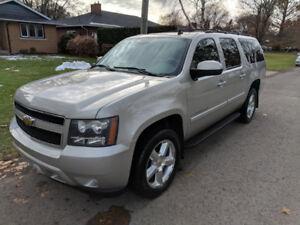 2008 Chevrolet Suburban LT 8 PSGR - great condition, low kms