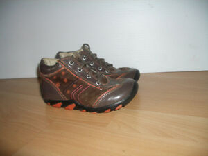 """GEOX """" ---- shoes like NEW ----- size 25 EU ------ 8 US baby"