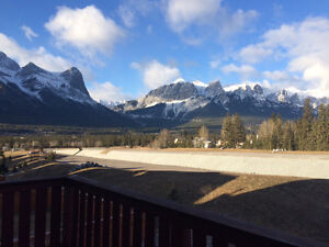 Fully Furnished - 3 Bedroom Home on Cougar Creek - Canmore