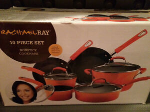 10 piece pots and pans set by Rachel Ray
