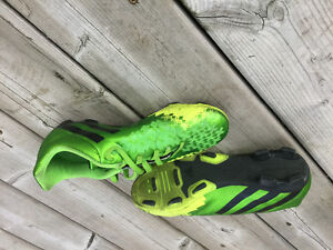 Soccer cleats, youth size 5.5