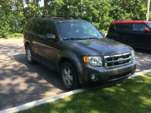 Ford Escape XLT V6 - Cuir - 2012 - 92 000 Kms