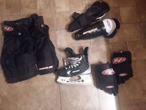 KIDS HOCKEY EQUIP. - GREAT SHAPE!