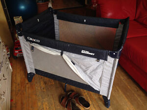 Collapsible Graco Pack'n'Play Bassinet for Sale- $40!