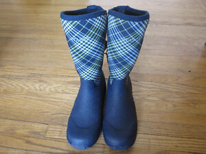 Brand New RUBBER BOOTS - WOMEN'S size 8 Peterborough Peterborough Area image 1
