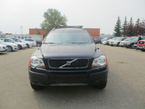 2005 VolvoXC90 Crossover.  BUILT IN DVD PLAYER!!!!!! low kms lea