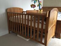 Winnie the Pooh / Disney cot bed for sale/ free delivery