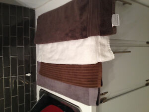 4 handtowels - just like new - all 4 for $5