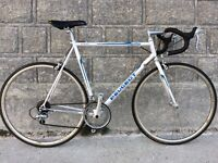HIGH END LIGHTWEIGHT PEUGEOT ROAD RACING BIKE PEARLESCENT WHITE LONDON TO BRIGHTON