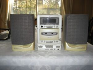 JVC UX-T1 Micro Component System CD Radio Cassette Stereo