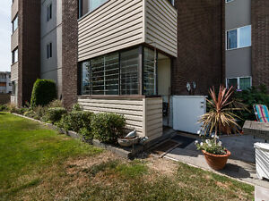 Updated Condo with Garden Access - #107-1915 Pacific Court