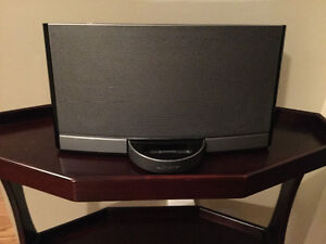 Bose iPod dock and speaker
