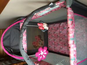 Minnie Mouse playpen quickly fold and go