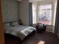 Newly Decorated 2 Double Rooms in Spacious Refurbished House Share, NO DEP, suit professional couple