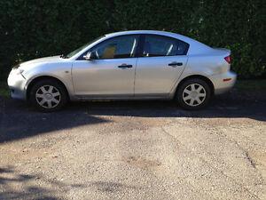 Mazda3. 2006 à vendre 2000$ négociable Saguenay Saguenay-Lac-Saint-Jean image 2