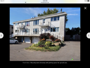 3 bedroom apartment for rent in Chateauguay center .