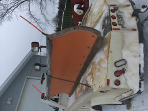 10 foot artic plow and harness  off 2007 ford f550