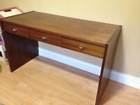 Wood Desk - 3 drawers - good condition