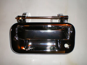 04-08 Ford Tailgate handle CHROME London Ontario image 2