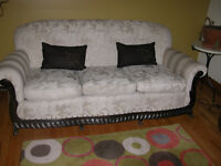 Sofa et 2 fauteuils antiques avec coussins