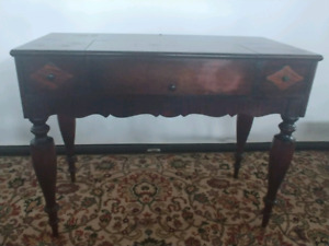 Vintage 1920s Grand Rapids Chair Company Mahogany Spinette Desk