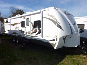 ** AMAZING DEAL! ** 2013 Cougar 29RBK Bunks & Outdoor Kitchen **