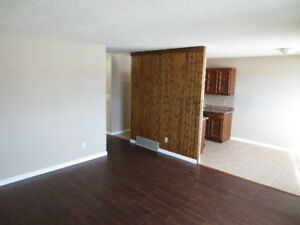 Bright 2 Bedroom Home in Normandeau for Rent - pet friendly