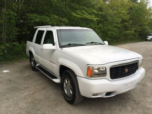 1999 Cadillac Escalade Completely original & rust  free!