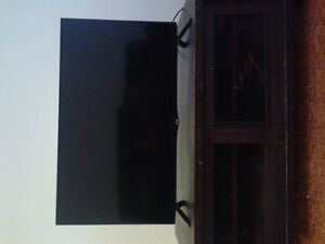 ***LG LED ultraHD Smart TV-47 inches in excellent condition***