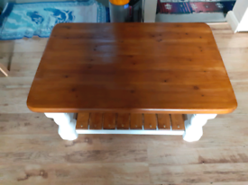Rustic traditional style country/farmhouse pinewood large coffee table