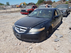 2006 ACURA TL.. JUST IN FOR PARTS AT PIC N SAVE! WELLAND