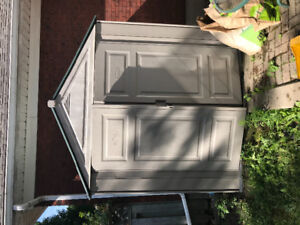 7x7 Rubbermaid shed in good shape