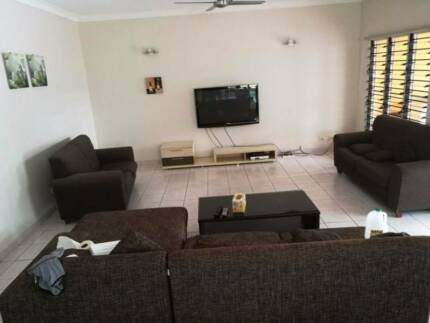 Fully furnished house in Coconut Grove for rent. Great loaction
