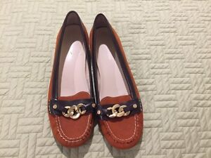 Jones New York Suede Flats (size 9)