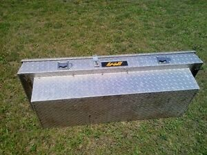 UTILITY ALUMINUM CHECKER STEEL TOOL BOX FOR PICK-UP