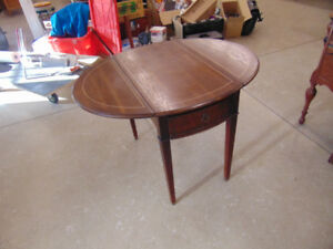 MAHOGANY OVAL DROP LEAF TABLE IN HEPPLEWHITE FORUM