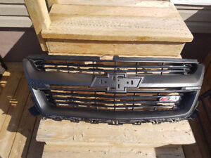 Brand new! OEM Take Off Grille 2015-2018 Chevy Colorado